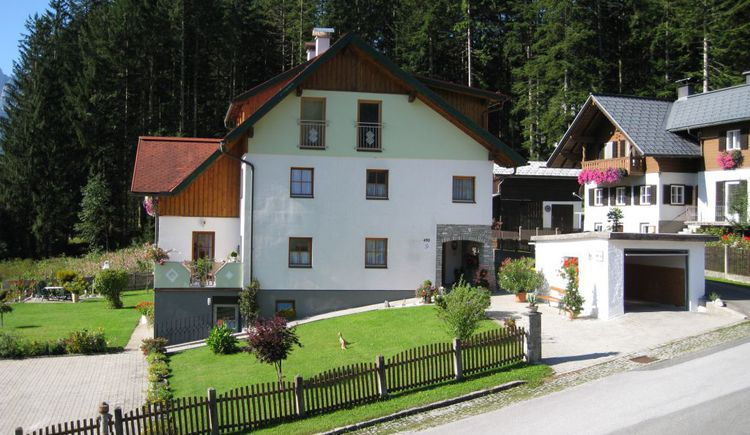 The exterior view of the Apartment Barbara Egger in Gosau.