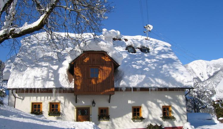 Gästehaus Annerl, Winterliche Ansicht.