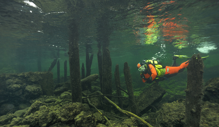 Tauchen in der Traun bei Atlantis Qualidive.