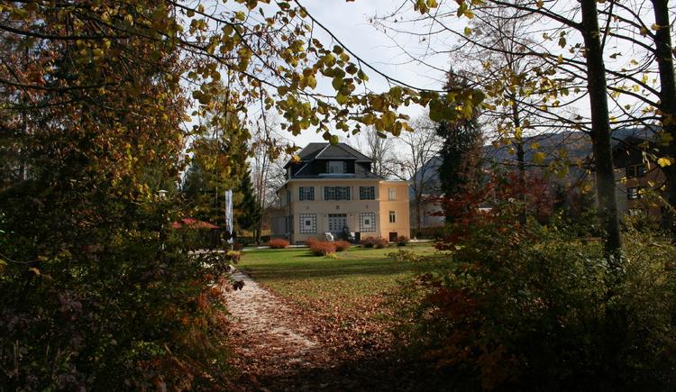 Deutschvilla Strobl im Herbst (© WTG)