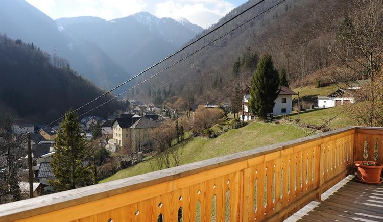 Traumblick vom 16m2 Balkon (© Haus SONNSTEIN zu EBENSEE am Traunsee)