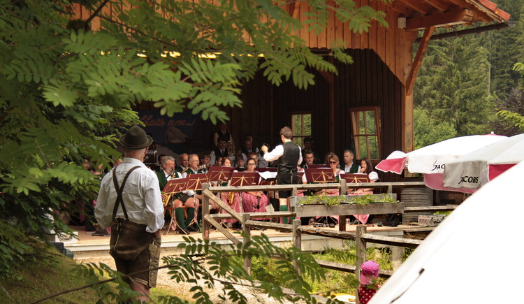 The brass band of Gosau entertains you perfectly