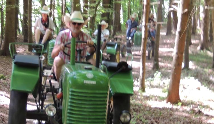 Bauerngolf mit der Traktor Roas. (© TV-Franking Andrea Bruckmoser)