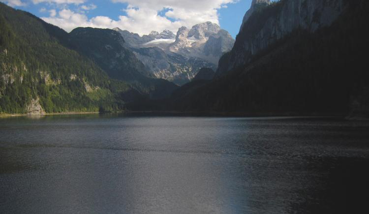 Beatiful view from the Gosaulake to the Dachstein. (© Gisbert Rabeder)