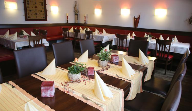 Restaurant. (© Weiss Ambros)