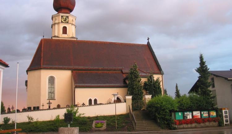 Kirche Aussenansicht, Geretsberg