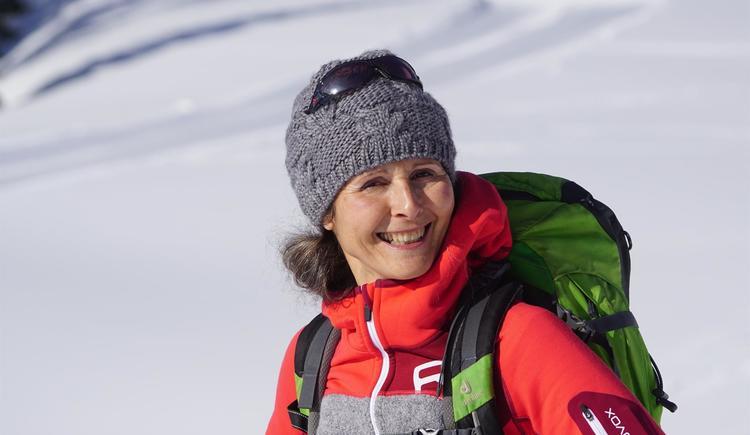 Schneeschuhwandern mit Martha (© Alois Litzlbauer)