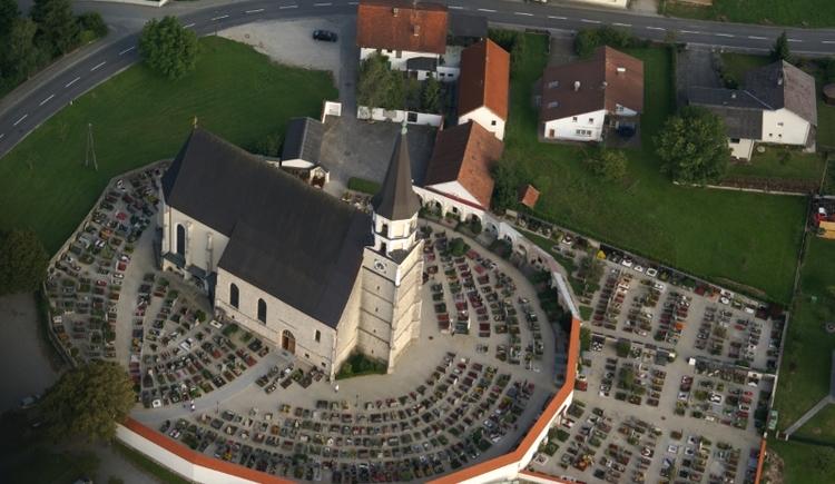 Altheim-Kirche von oben (© Ladislav Vorich)