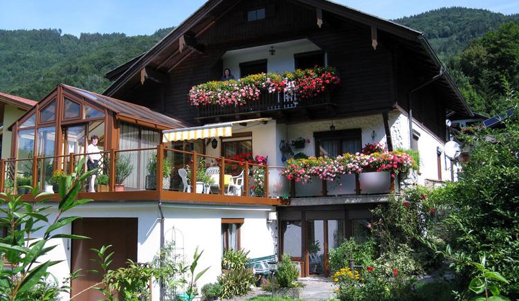 Ferienwohnungen im Haus Mondseeblick. (© Familie Schindlauer-Blümelhuber)