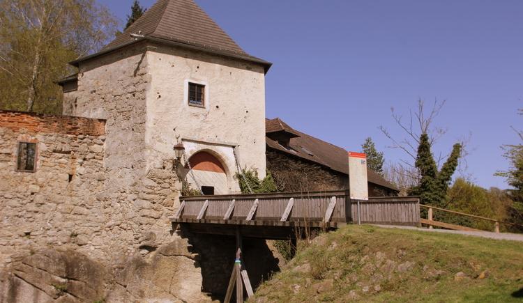 Zugbrücke (© Burg Kreuzen)
