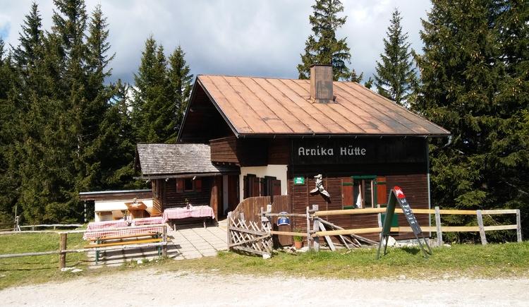 Arnika Hütte Zwölferhorn. (© christoph kojetinsky)