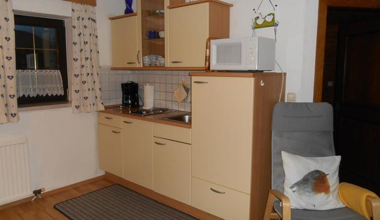 Wohnküche mit Küchenblock (© Ferienwohnung Burgi)