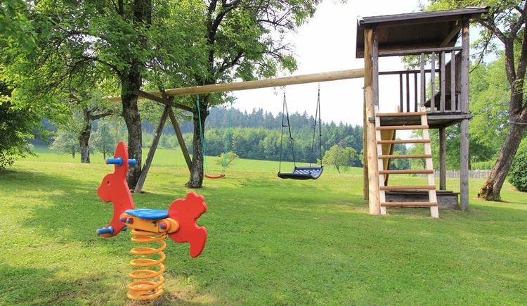 Spielplatz für die Kinder (© Bammer im Herndlberg)