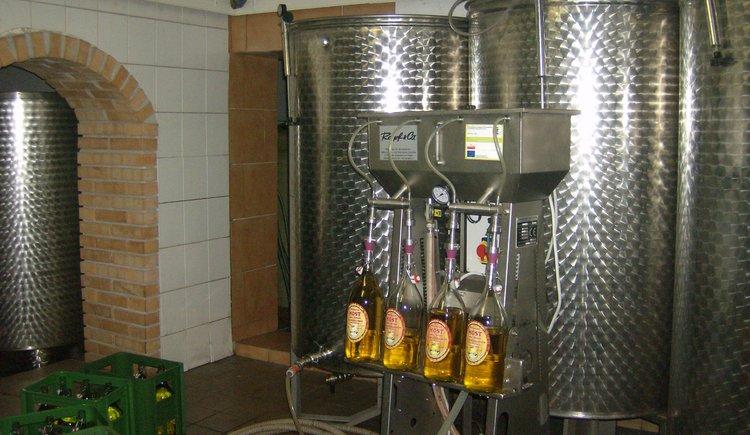 Weilbacher Mostbauer - Abfüllung von Most und Säften aus Äpfeln und Birnen von unseren Obstgärten