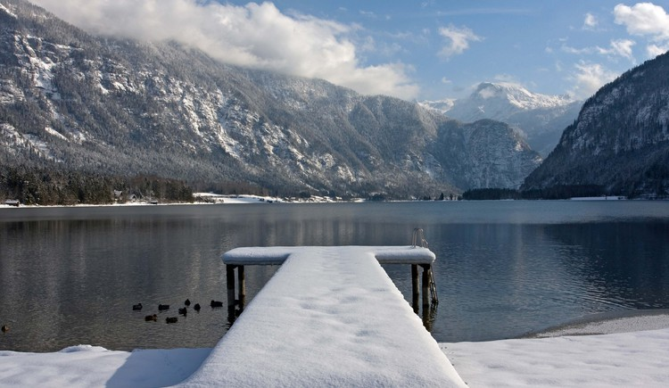The Lake Hallstatt in winter. (© Viorel Munteanu)