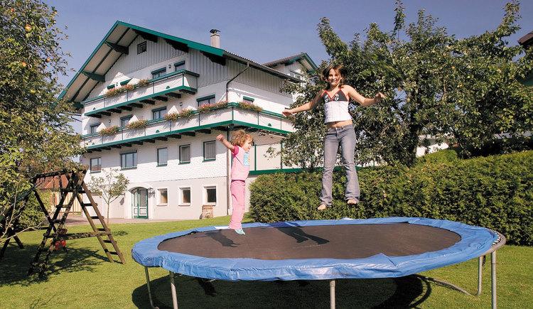Landgasthof und Seminarhotel Kobleder Mettmach - Außenansicht. (© Seminarhotel Kobleder)