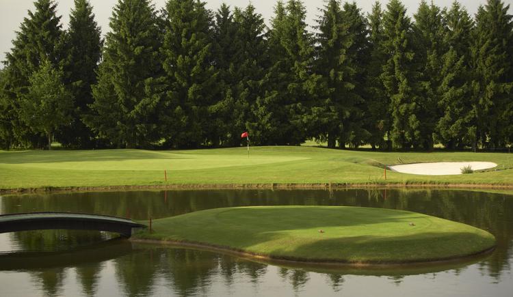 Hole 11 (© Leading Golf Courses / www.severnimages.com)