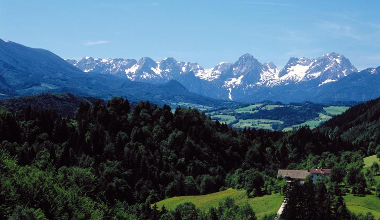 Landschaft bei Rosenau am Hengstpass mit Toten Gebirge. (© OÖ. Tourismus Marketing/Heilinger)