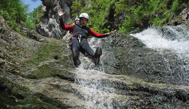 Canyoning - Fun in der Schlucht (© NATURE SPORTS)
