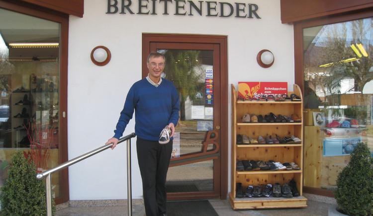Christian Breiteneder vor dem Geschäft (© Christian Breiteneder)