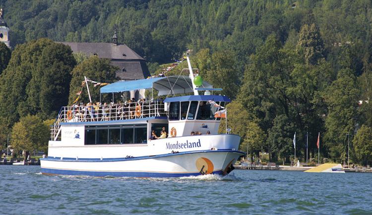Schiff auf dem See