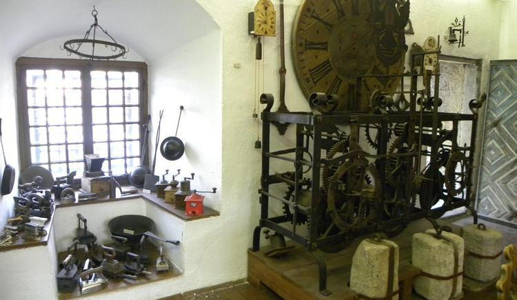 Uhr am Alten Turm (© Ferienregion Böhmerwald | Kneidinger)