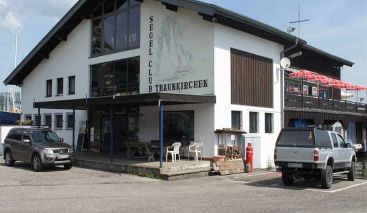 Club Buffet Segelclub Traunkirchen_Aussen1