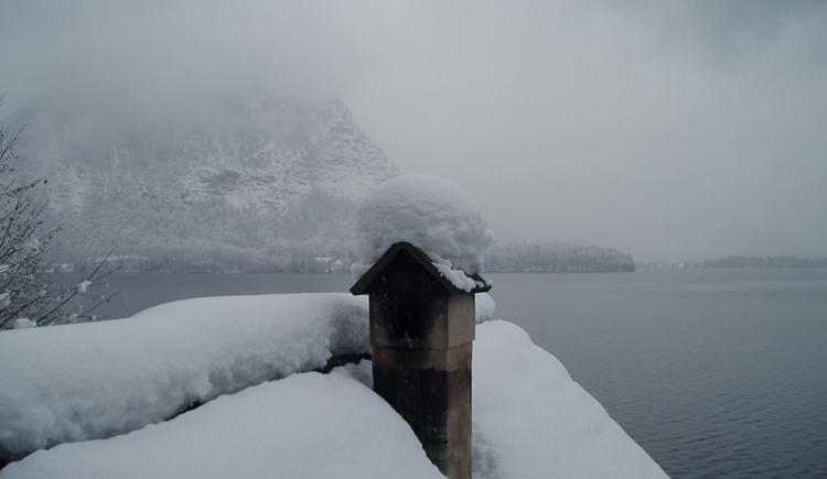 The Apartment Fallnhauser in the winter mood of Hallstatt
