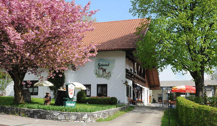 Blick auf den Gasthof Fohlenhof. (© Gasthof Fohlenhof)