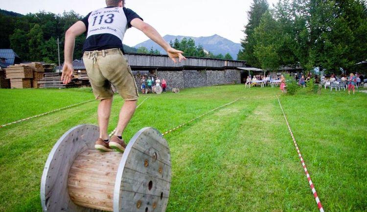 Kabeltrommel-Weitrollwettbewerb (© Das Franzl)