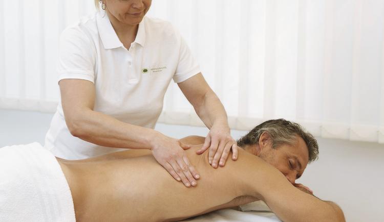 medizinische Massage (© Natur & Kurhotel)