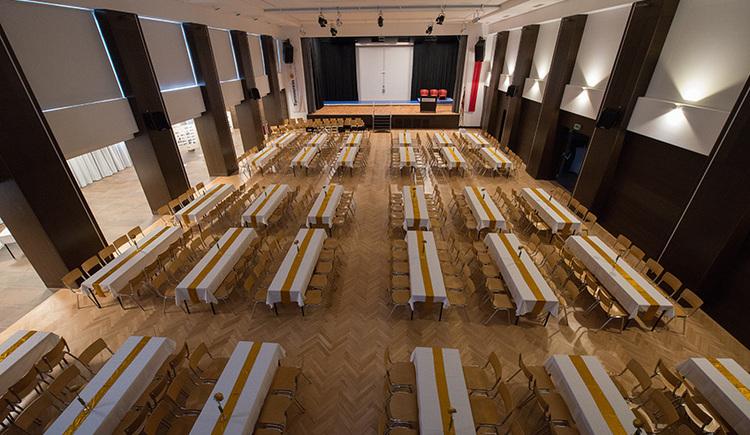 Veranstaltungszentrum Die Turnhalle - Tische gedeckt