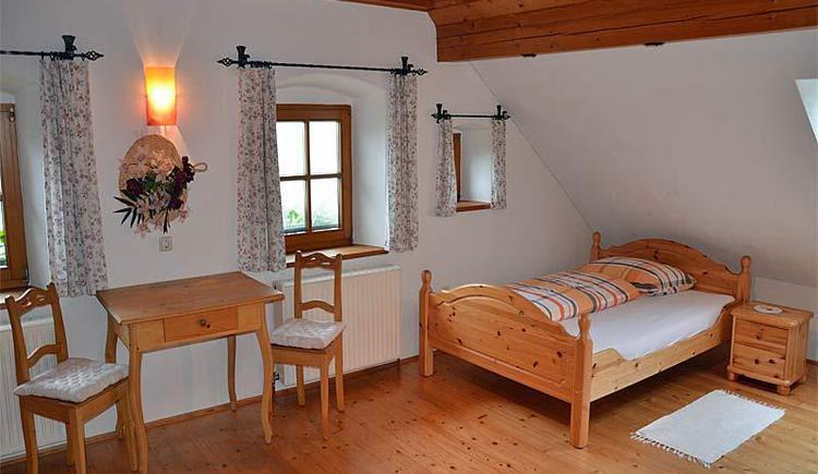 Obere Wolfsgrub Ferienwohnung Dachgeschoss (© Bauernhof Obere Wolfsgrub)