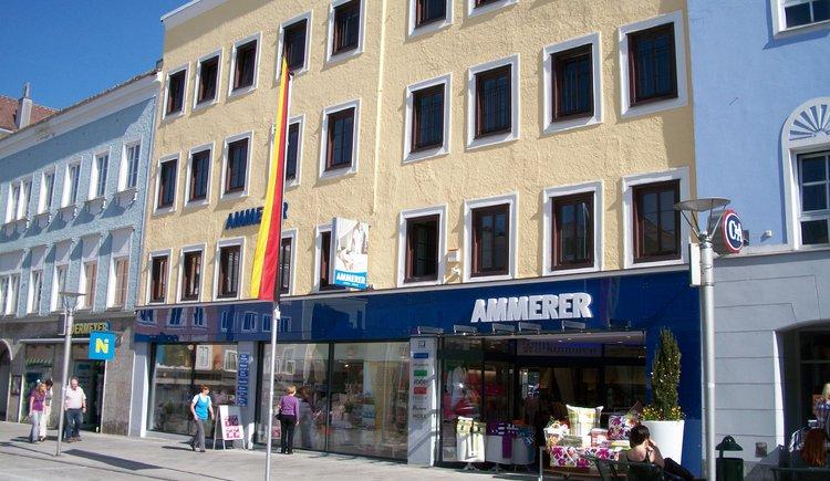 Die Zentrale von Betten Ammerer am Rieder Hauptplatz