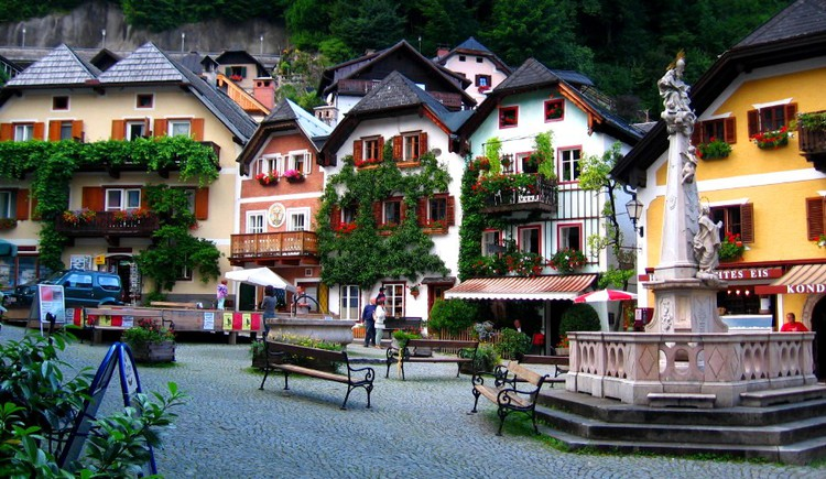 Visit the old market square in Hallstatt