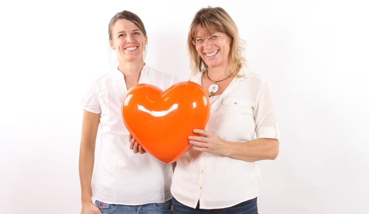 Picture with heart from Expert Austria: Mrs. Klara Kain with daughter