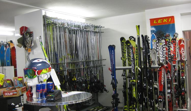 Ski rental in Faistenau (© Sport Auer Faistenau)