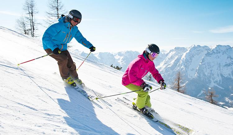 Abfahrt-Skifahrer in der Skiregion Hinterstoder-Wurzeralm (© OÖ Tourismus/Erber)