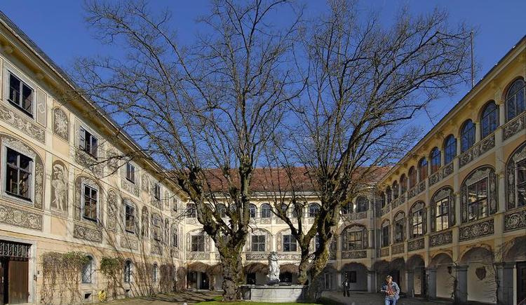 Schloss Puchberg Eingang
