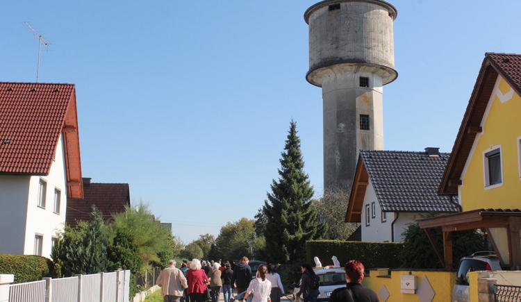 Friedensweg mit Wasserturm