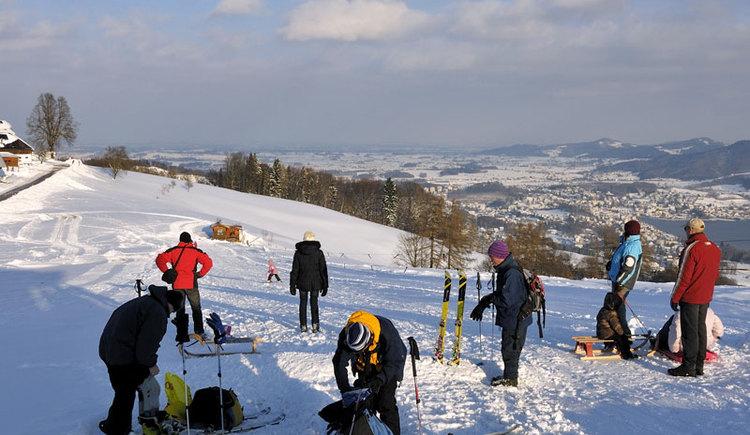 Winterspaß am Gmundnerberg in Altmünster am Traunsee im Salzkammergut. (© MTV Ferienregion Traunsee - Tourismusbüro Altmünster)