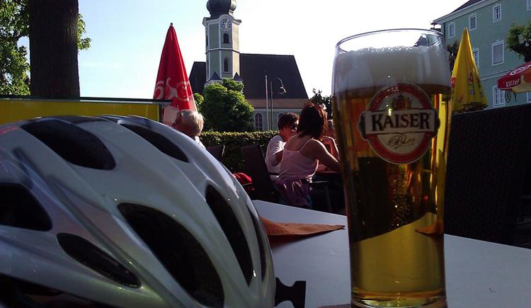 Einkehr in Aschach bei der Radtour am Donauradweg (© Humenberger)