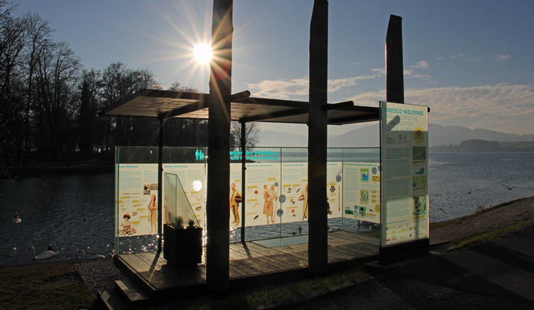 Pfahlbau Erlebnis.Welt.Erbe - Pfahlbau Pavillon Seewalchen (© Gerald Egger)