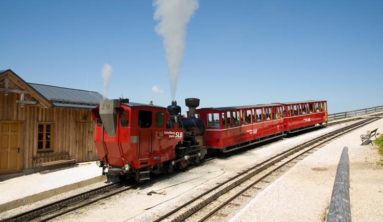 Die Schafbergbahn in St. Wolfgang geht wieder in Betrieb! (© SchafbergBahn & WolfgangseeSchifffahrt)