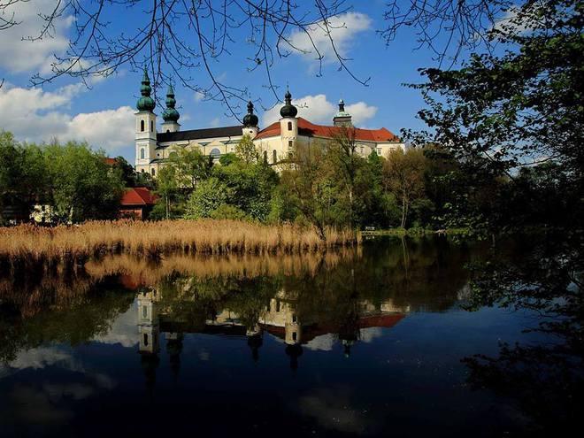 Basilika, Georgskirche und Kloster Puchheim (© TV Attnang-Puchheim)