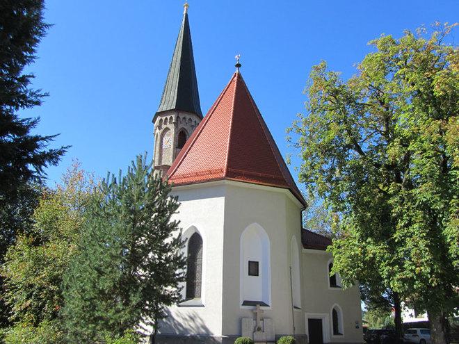 Pfarrkirche Oberhofen (© www.mondsee.at)