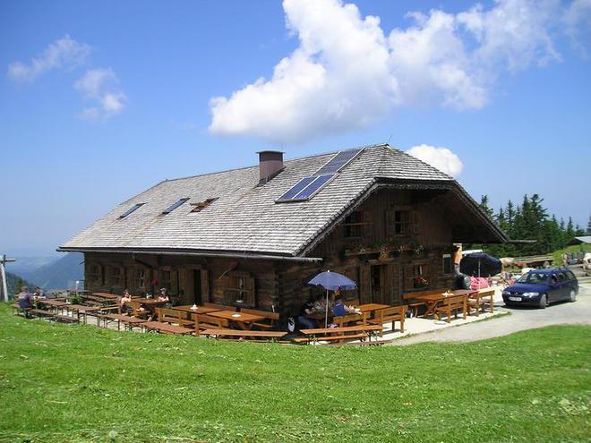 Döllererhütte am Faistenauer Schafberg (© Döllererhütte)