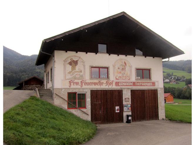 Feuerwehrhaus Hof (© Annelu Wenter)