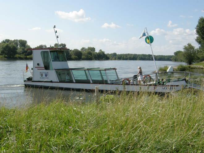 Donaufähre Niederalteich (© Hans Wieser)