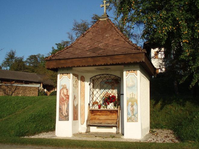 Wiener Kapelle am Kirchenweg (© Ferienregion Attersee-Salzkammergut)